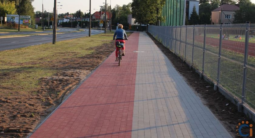 Inwestycje, Ciechanowie powstał ciąg pieszo rowerowy [zdjęcia] - zdjęcie, fotografia