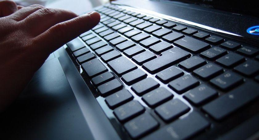 Społeczeństwo, Bezpłatne szkolenia komputerowe mieszkańców Ciechanowa - zdjęcie, fotografia