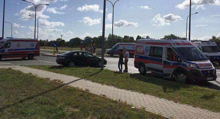 Wypadki drogowe, Kolizja pętli miejskiej Znów skrzyżowanie [zdjęcia] - zdjęcie, fotografia