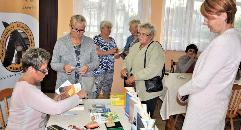 Książki, Ościsłowie odbyło spotkanie autorskie Izabellą Frączyk [zdjęcia] - zdjęcie, fotografia