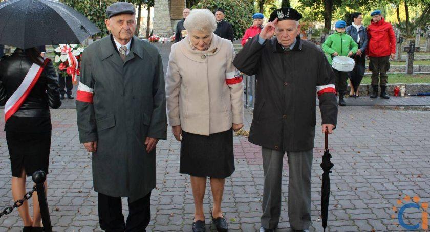 Rocznice, Mieszkańcy Ciechanowa oddali hołd poległym pomordowanym Wschodzie [fotorelacja] - zdjęcie, fotografia