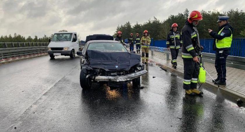 Wypadki drogowe, uderzyło barierę Poranny wypadek wiadukcie [zdjęcia] - zdjęcie, fotografia