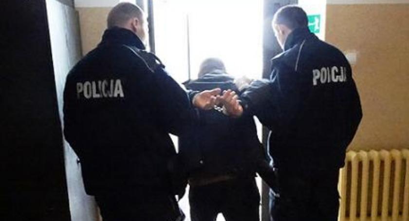 Sprawy kryminale , Okradał samochody handlował narkotykami latek rękach ciechanowskiej policji - zdjęcie, fotografia
