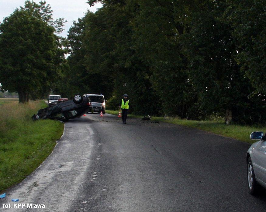 Wypadki drogowe, Tragiczny wypadek zginął letni kierowca - zdjęcie, fotografia