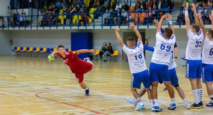 Piłka Ręczna, włos niespodzianki Ciechanowie Jurand postraszył Sokoła - zdjęcie, fotografia