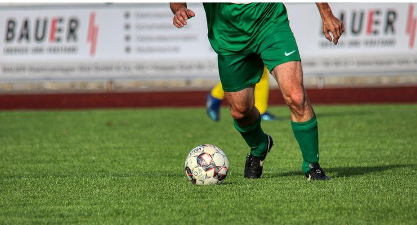 Piłka Nożna, okręgowa Wysokie przegrane Kryształu Tęczy - zdjęcie, fotografia