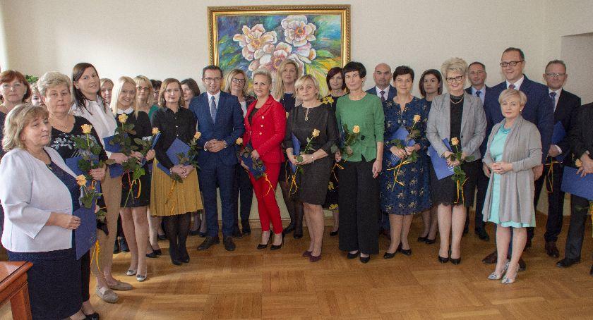 Edukacja, Nauczyciele Ciechanowa nagrodzeni przez prezydenta - zdjęcie, fotografia
