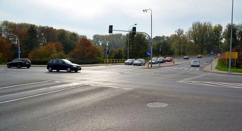 Komunikaty, Uwaga kierowcy! Utrudnienia ruchu skrzyżowaniu wiadukcie Ciechanowie - zdjęcie, fotografia