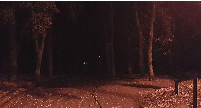 Interwencje, Wasze Egipskie ciemności ciechanowskim parku - zdjęcie, fotografia