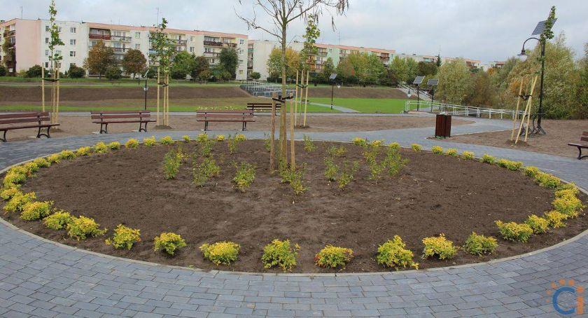 Samorząd, Wandale grasują nowym parku Radna apeluje monitoring - zdjęcie, fotografia