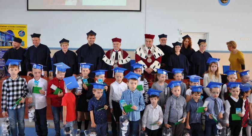 Edukacja, Uniwersytet Dziecięcy Ciechanowie zainaugurował akademicki [zdjęcia] - zdjęcie, fotografia