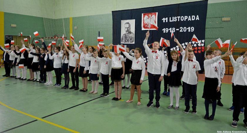 Edukacja, Narodowe Święto Niepodległości Szkole Podstawowej [zdjęcia] - zdjęcie, fotografia