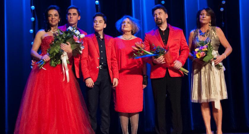 Koncerty, Pełna koncercie sylwestrowym PCKiSz (zdjęcia) - zdjęcie, fotografia