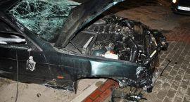 Dwóch młodych mężczyzn ciężko rannych w wypadku