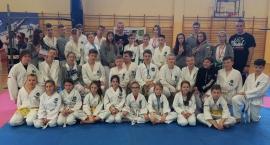 Zawodnicy Matsogi Ciechanów przywieźli worek medali z zawodów w Jabłonnie (zdjęcia)