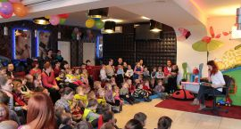 Znani Ciechanowianie czytają dzieciom w Da Grasso