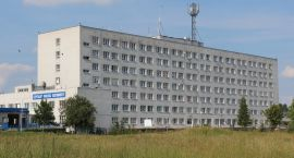 Szpital w Ciechanowie: likwidacja łóżek, łączenia oddziałów i zwolnienia