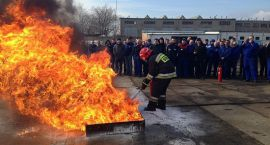 Pożar w ciechanowskiej fabryce narzędzi - ćwiczenia strażaków (zdjęcia)