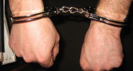 21-latek z Ciechanowa zatrzymany z narkotykami. Wpadł w okolicach zamku