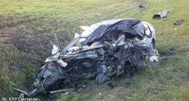 Zderzenie Opla z autobusem: Jedna osoba zginęła (zdjęcia)