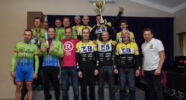 Puchar trafił do Ciechanowa! T4B Bike Team wygrywa klasyfikację generalną Cisowianka Road Tour