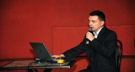 """Wywiad z Grzegorzem Kęsikiem, autorem książki """" Spór o rewitalizację Zamku w Ciechanowie """""""