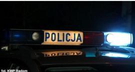 U sąsiadów: Pijany kierowca staranował bramę i uderzył w zaparkowany ciągnik