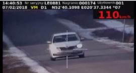 Drogówka ma nowe urządzenie do pomiaru prędkości. Dwoje kierowców straciło prawa jazdy (wideo)