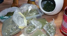 Przejęli ponad kilogram narkotyków. Dwie osoby zatrzymane