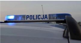 23-letni kierowca uciekał przed policją. Wjechał do rowu i wywrócił pojazd
