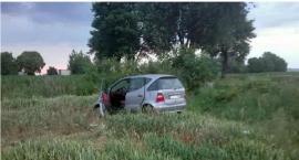 AKTUALIZACJA: Tragiczny wypadek pod Ciechanowem. Zginął kierowca Mercedesa [zdjęcia]