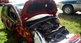 Kierowca ciężarówki zepchnął z drogi samochód osobowy [zdjęcia]