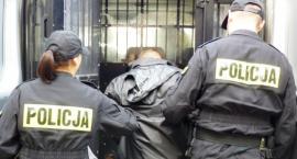 Mieszkaniec Ciechanowa ukradł torbę z pieniędzmi. Został zatrzymany