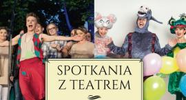Teatr przed ciechanowskim ratuszem