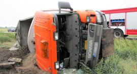 Doprowadził do wywrócenia się ciężarówki [zdjęcia]