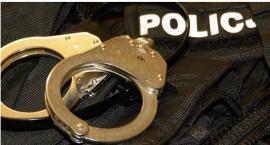 Napad rabunkowy na Blokach. Policja zatrzymała dwóch mieszkańców Ciechanowa