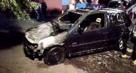 W Sońsku spłonął samochód [zdjęcia]