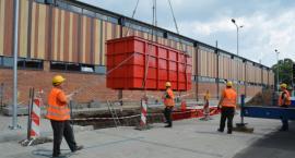 W Ciechanowie montują podziemne pojemniki za blisko ćwierć mln zł