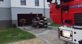 Pożar samochodu w garażu podziemnym w Ciechanowie
