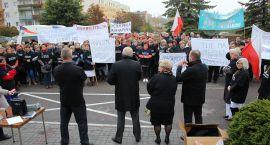 Gwizdy, syreny i transprenty. Protest w ciechanowskim szpitalu (zdjęcia)