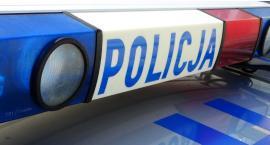 Rowerzystka uderzyła w samochód na ul. Pułtuskiej. Trafiła do szpitala