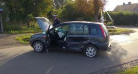 Zderzenie Volvo z Fordem pod Ciechanowem [zdjęcia]