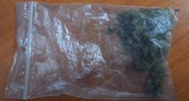 Na oczach dyrektora szkoły połknął torebkę z marihuaną