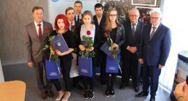 Nagrody dla najlepszych maturzystów z powiatu ciechanowskiego [zdjęcia]