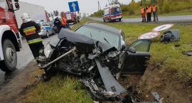 Zderzenie dwóch Audi na skrzyżowaniu. Są ranni [zdjęcia]