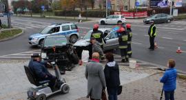 Zderzenie osobówek na skrzyżowaniu w centrum Ciechanowa [zdjęcia]