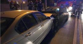 Zderzenie dwóch BMW w Ciechanowie. Jeden z kierowców zasnął? [zdjęcia]