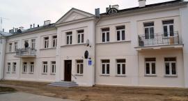 TBS odnowił elewację zabytkowego budynku w centrum Ciechanowa