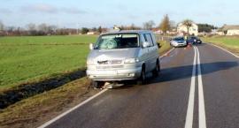 Kierowca busa uderzył w dwójkę rowerzystów [zdjęcia]