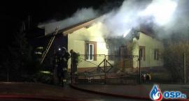 Pożar domu w Glinojecku. Dwie rodziny bez dachu nad głową [zdjęcia]